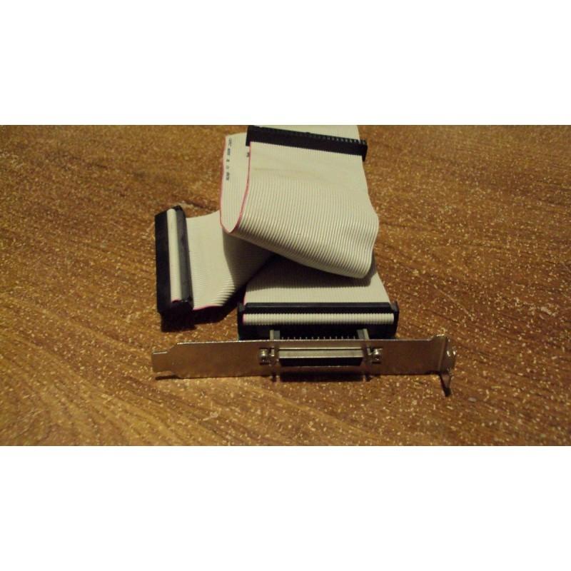 BRAKET 50 PINES HEMBRA A CABLE SCSI 50 PINES 3CONEC.